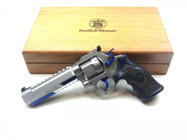 Limited Smith&Wesson Revolver M686 Target Champion X #146